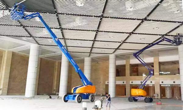 工程用高空作业曲臂升降机