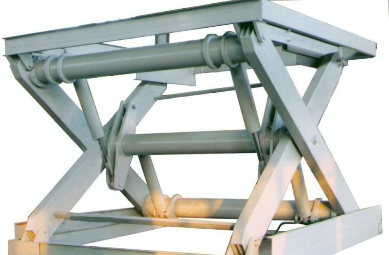 济南龙豪生产的液压货梯经济实用,是楼层货物运输的好图片